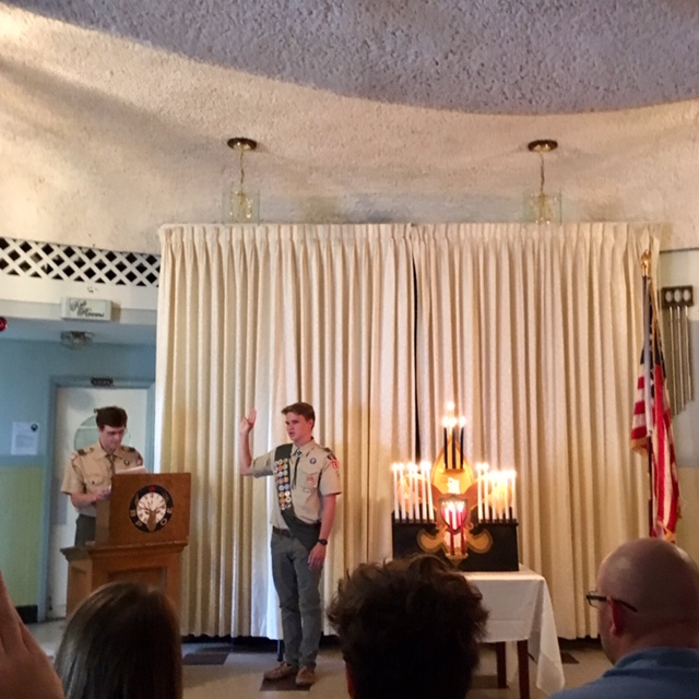 Hunter Mall takes his Eagle Scout oath
